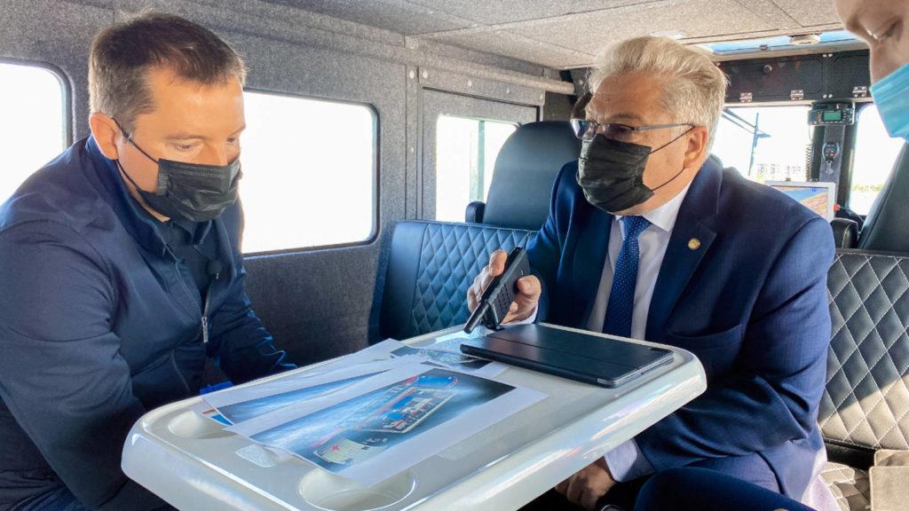 Александр Цыбульский оценил возможности новых спасательных аэролодок