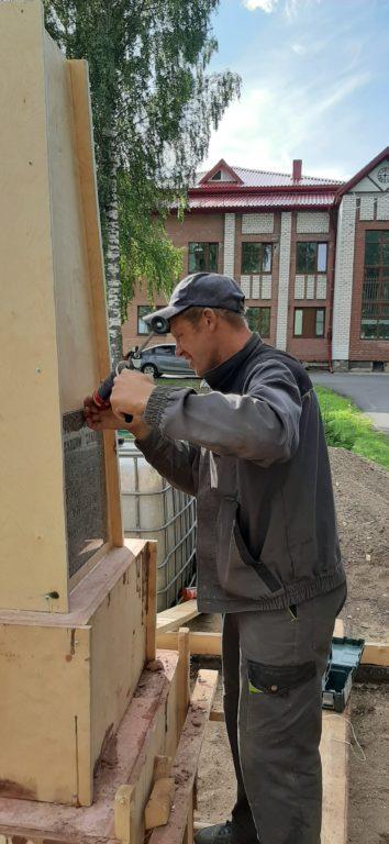 В Березнике идет реконструкция памятника матросам и солдатам
