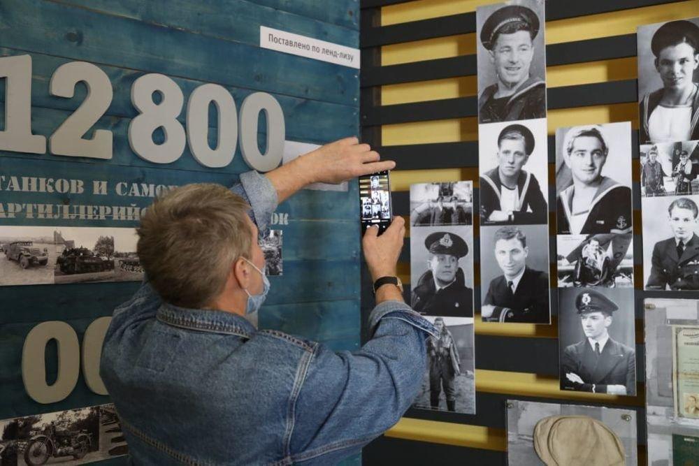 «РГ» провела встречу потомков ветеранов арктических конвоев