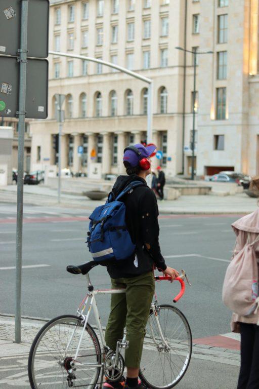 ГИБДД: пересекать пешеходный переход на велосипеде запрещено!