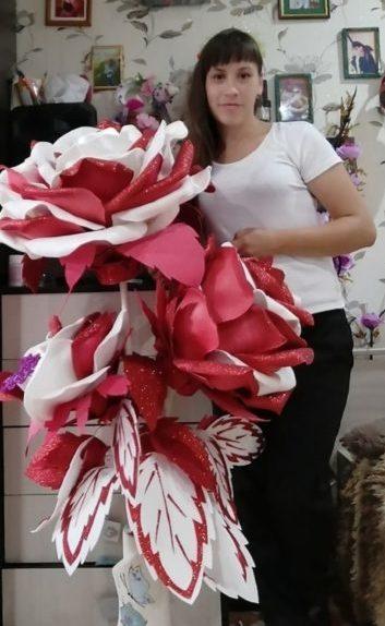 Изолоновый флорист Алена Скидан: цветы не только не вянут, но и освещают дом