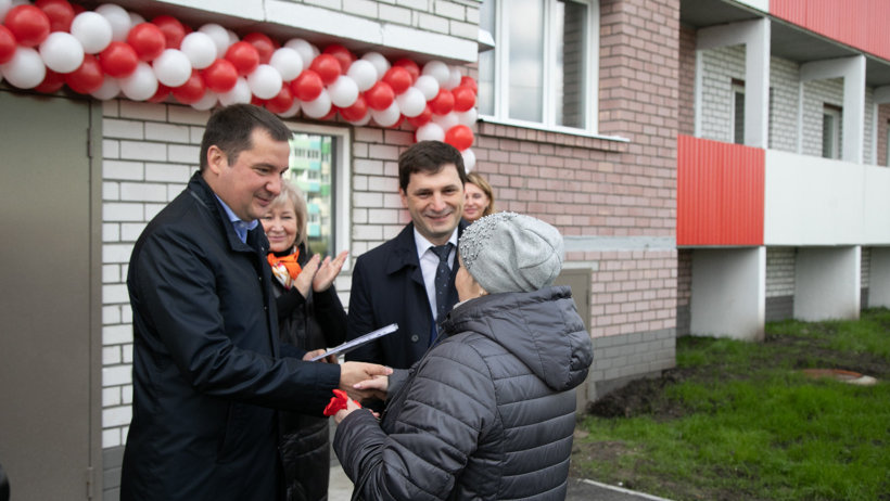 Архангельским семьям вручили ключи от новых квартир