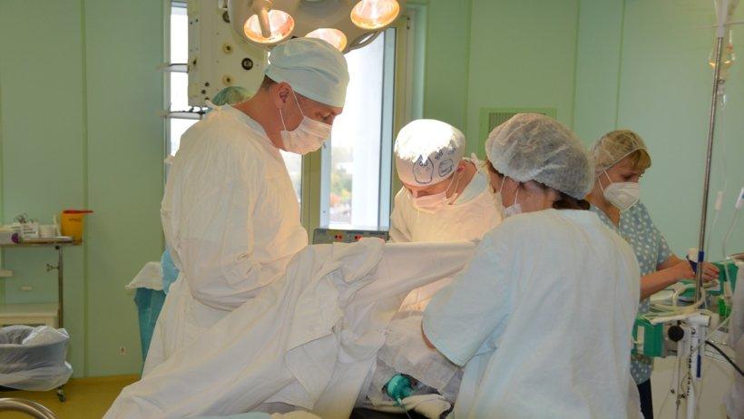 Врачи Архангельской областной больницы спасли жизнь пациенту с разрывом пищевода
