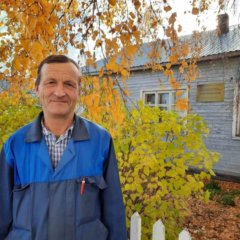 Сельский труженик Василий Соснин из Заостровья всегда готов помочь коллегам
