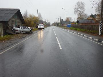 В Виноградовском районе нетрезвый водитель не поделил дорогу… с домом