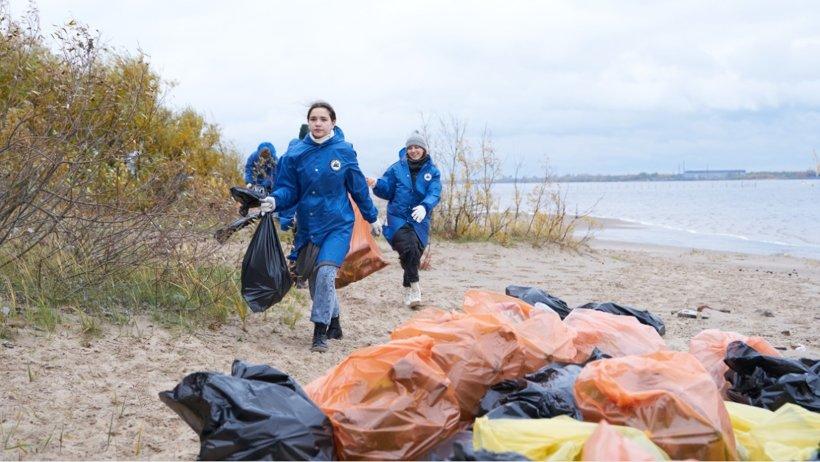 Молодёжный бой мусору: в Архангельской области прошли командные соревнования «Чистые игры»
