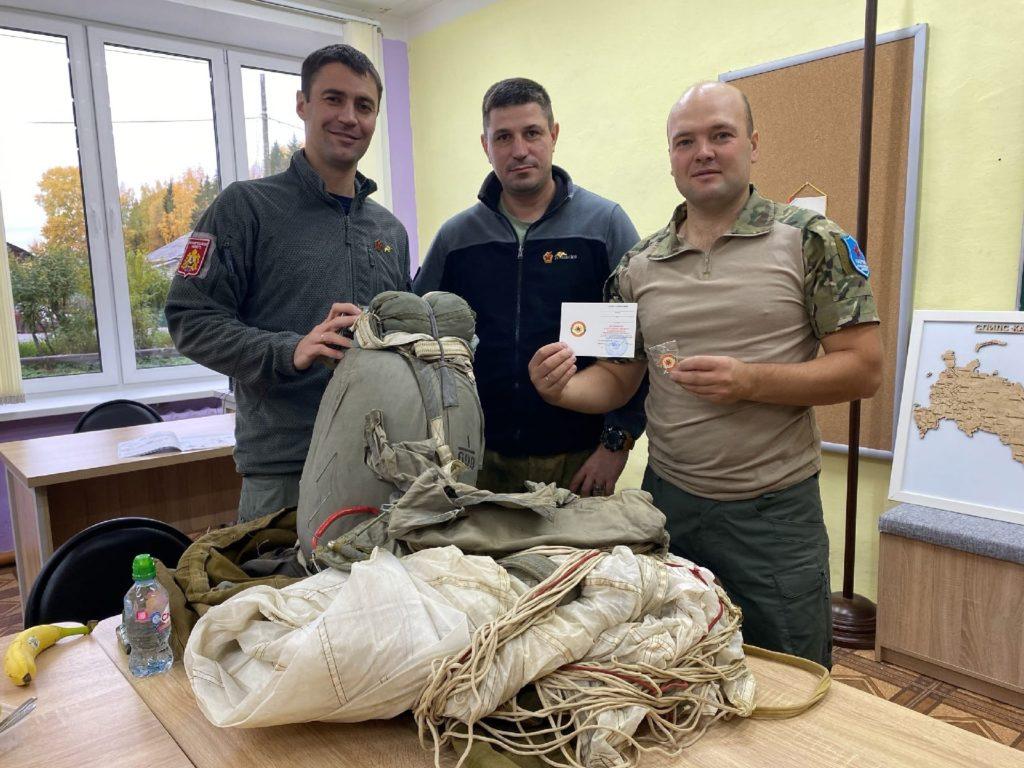 Клуб «Гвардеец» в Виноградовском районе получил парашютную систему д-6 серии 4 от центра «Патриот»